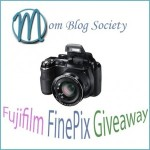 Blogger Sign Up : Creating Holiday Memories Giveaway